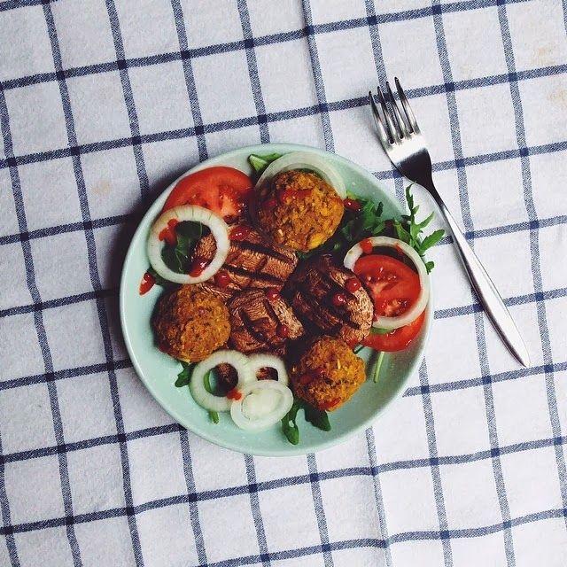 Holy basil baked falafels snacks pinterest falafels everyday food forumfinder Images