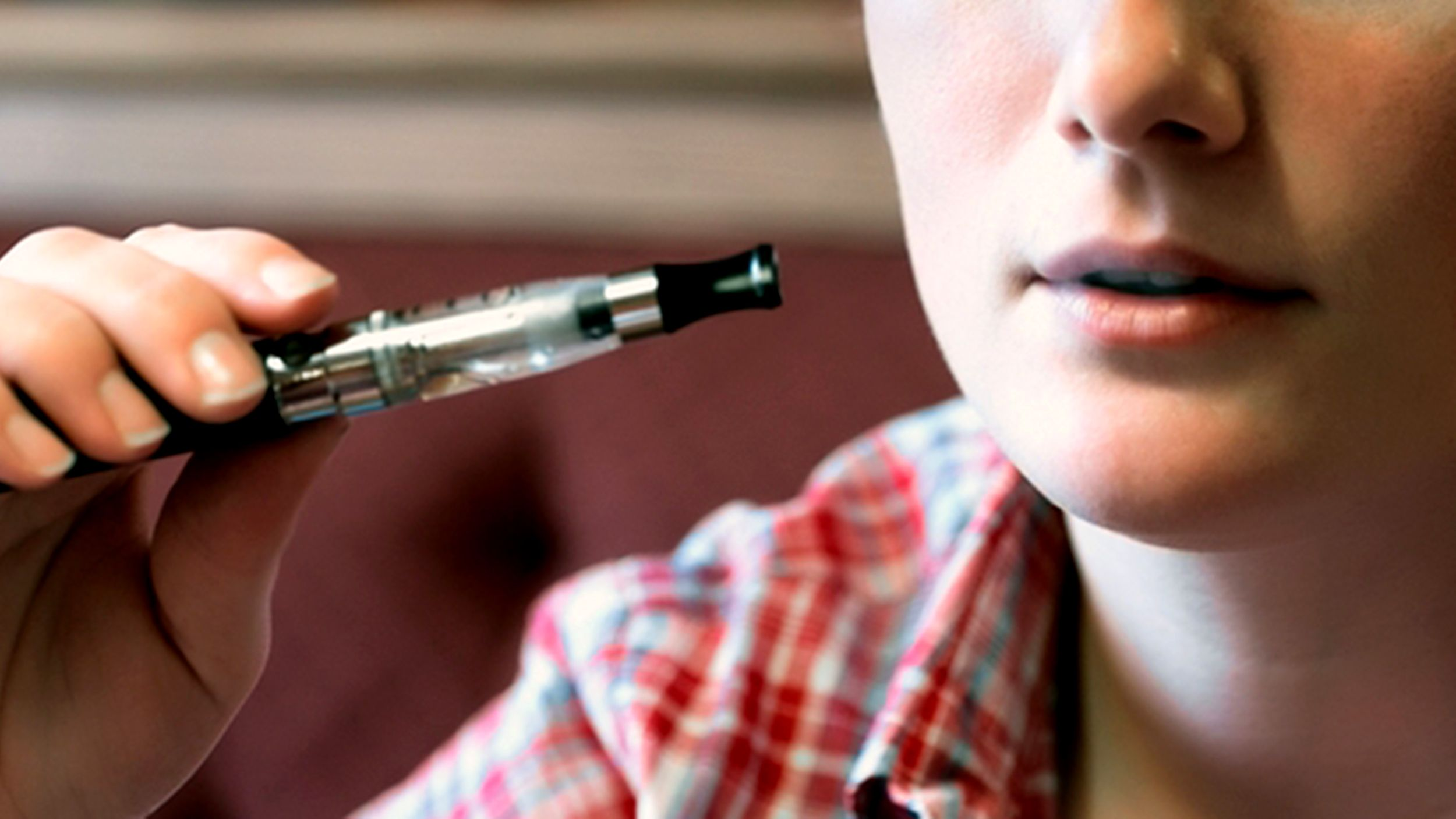 Cool factor: Why teens report positive feedback to using e-cigarettes