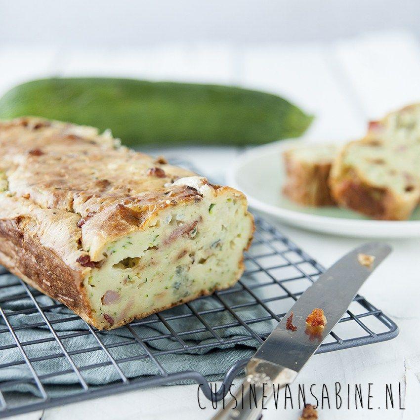 Heerlijke hartige cake met courgette, spek en gorgonzola | Cuisine van Sabine