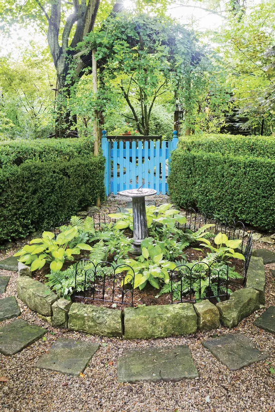 This Low-Maintenance Kentucky Garden is Bursting with ...