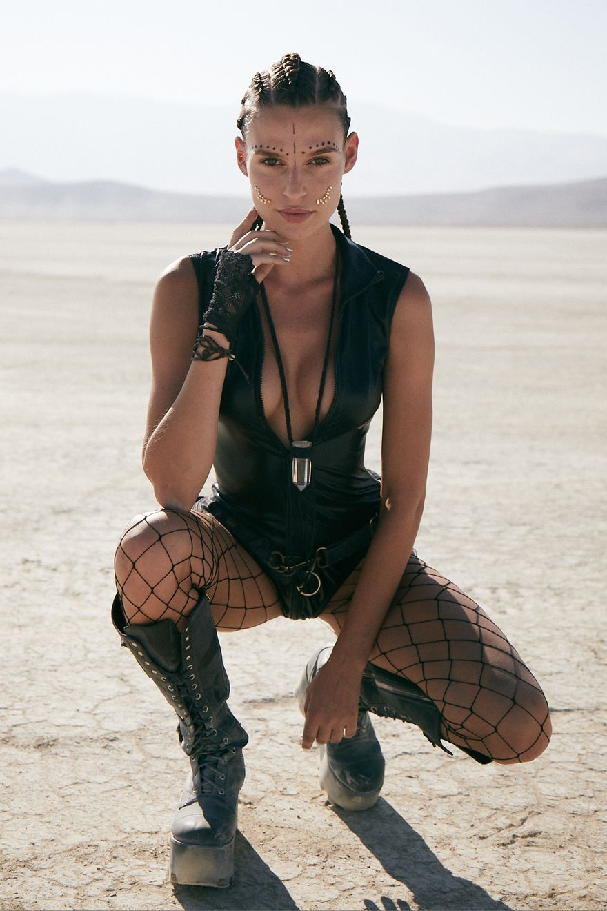 The Most Insane Fashion Looks from Burning Man 2018 ...