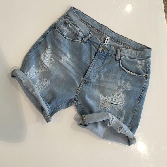 Acquaverde Boy Short For sale! Acquaverde boy short. More sizes available. New w/tags. Acquaverde Jeans