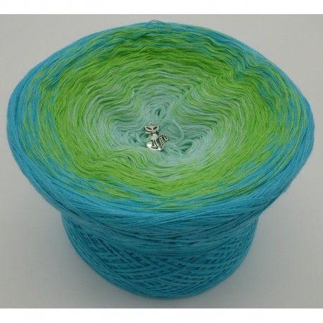 gradient yarn, color spreading yarns, Farbverlaufsgarn - Bergquelle (Mountain spring) - Riviera outside - 4 ply, 3 colors: pistachio, apple green, Riviera.