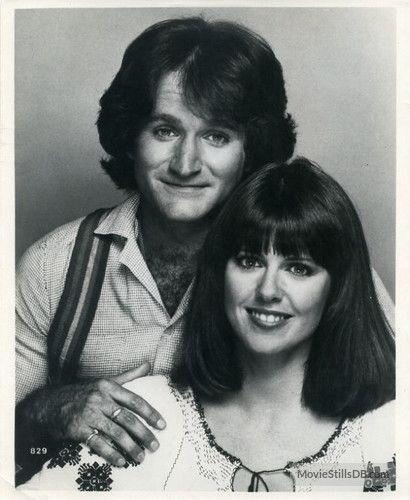 Mork & Mindy - Promo shot of Robin Williams & Pam Dawber