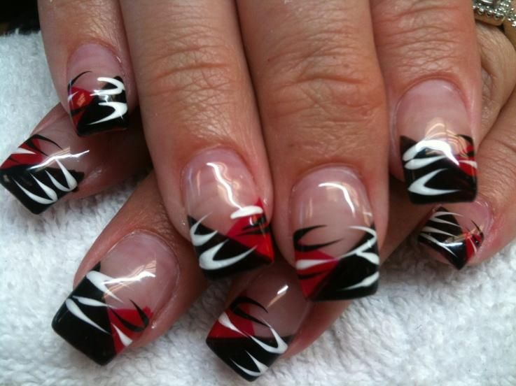 Pin By Janet Coumo On Diy Halloween Nails Halloween Nail Designs Nail Designs Halloween Nails