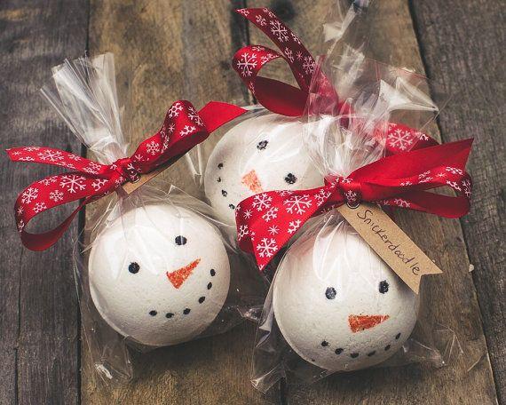 Christmas Bath Bombs.Snowman Bath Bomb 4 5oz Sugar Cookie Snowman Bath Fizz