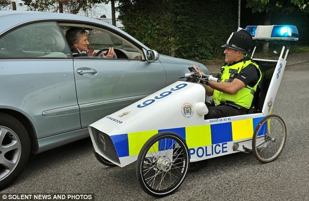 U K  Police Vehicles - Google Search | Cop's doing the right thing