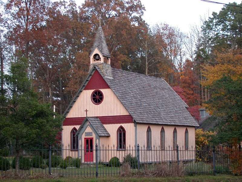 Little Church In Rugby Tennessee A Historically Preserved Victorian Town Country Church Old Churches Church
