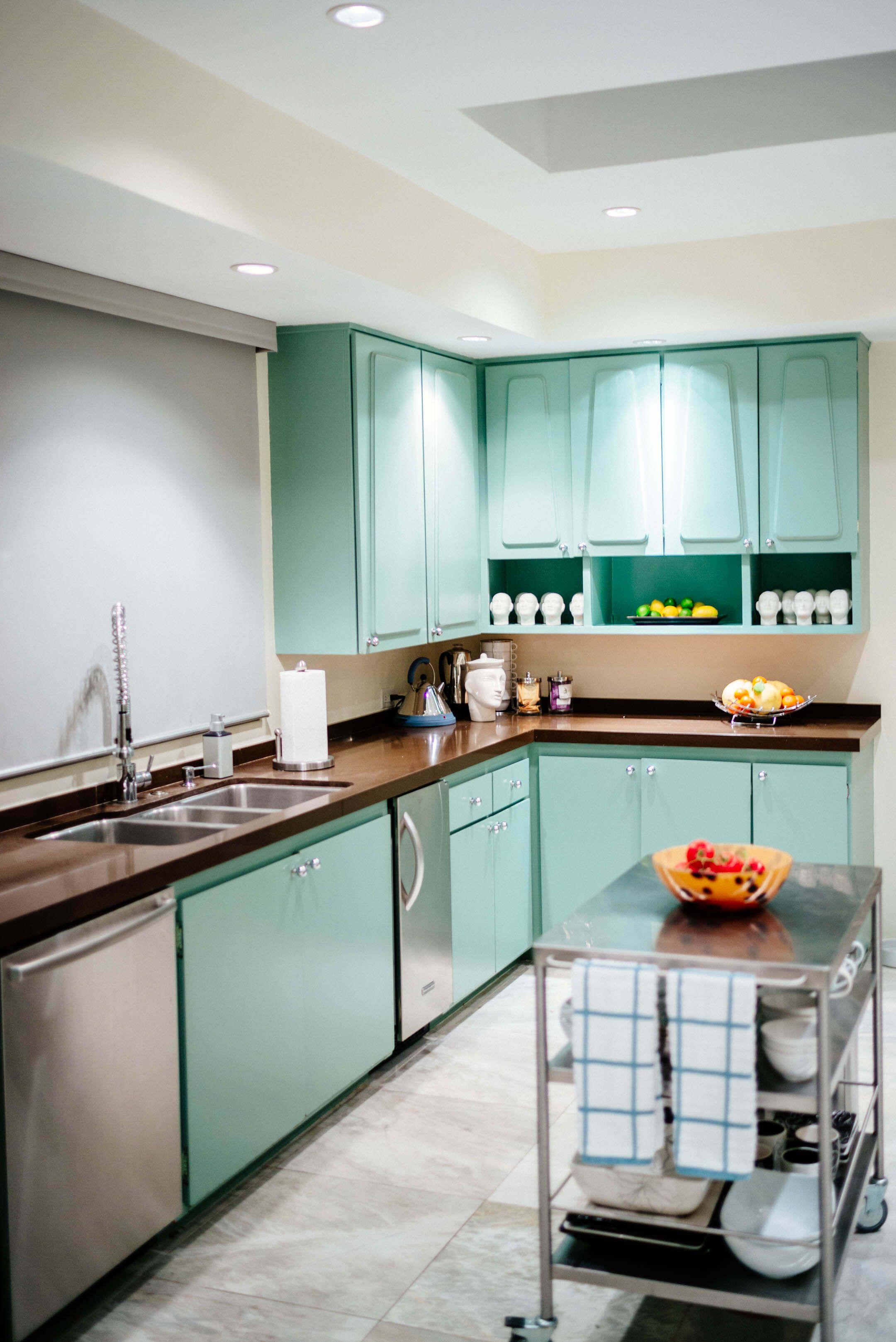 Behind That Pink Door The Taste Edit Kitchen Inspiration Design Kitchen Modular Custom Kitchen Cabinets