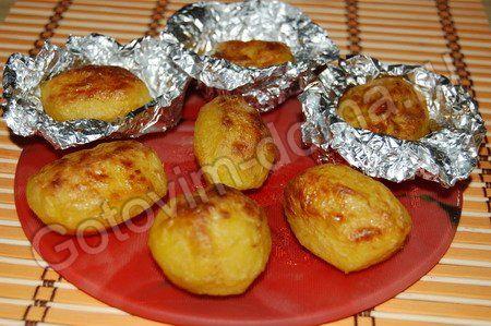 Запеченной картошки в фольге в мультиварке