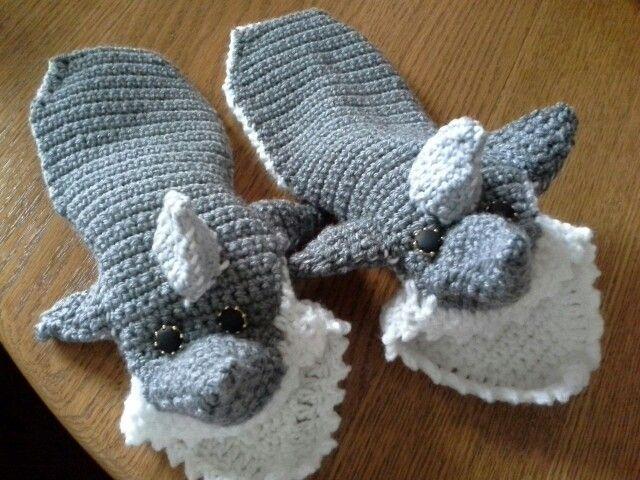 Shark slippers for Orlando | zapatos locos | Pinterest | Zapatos ...