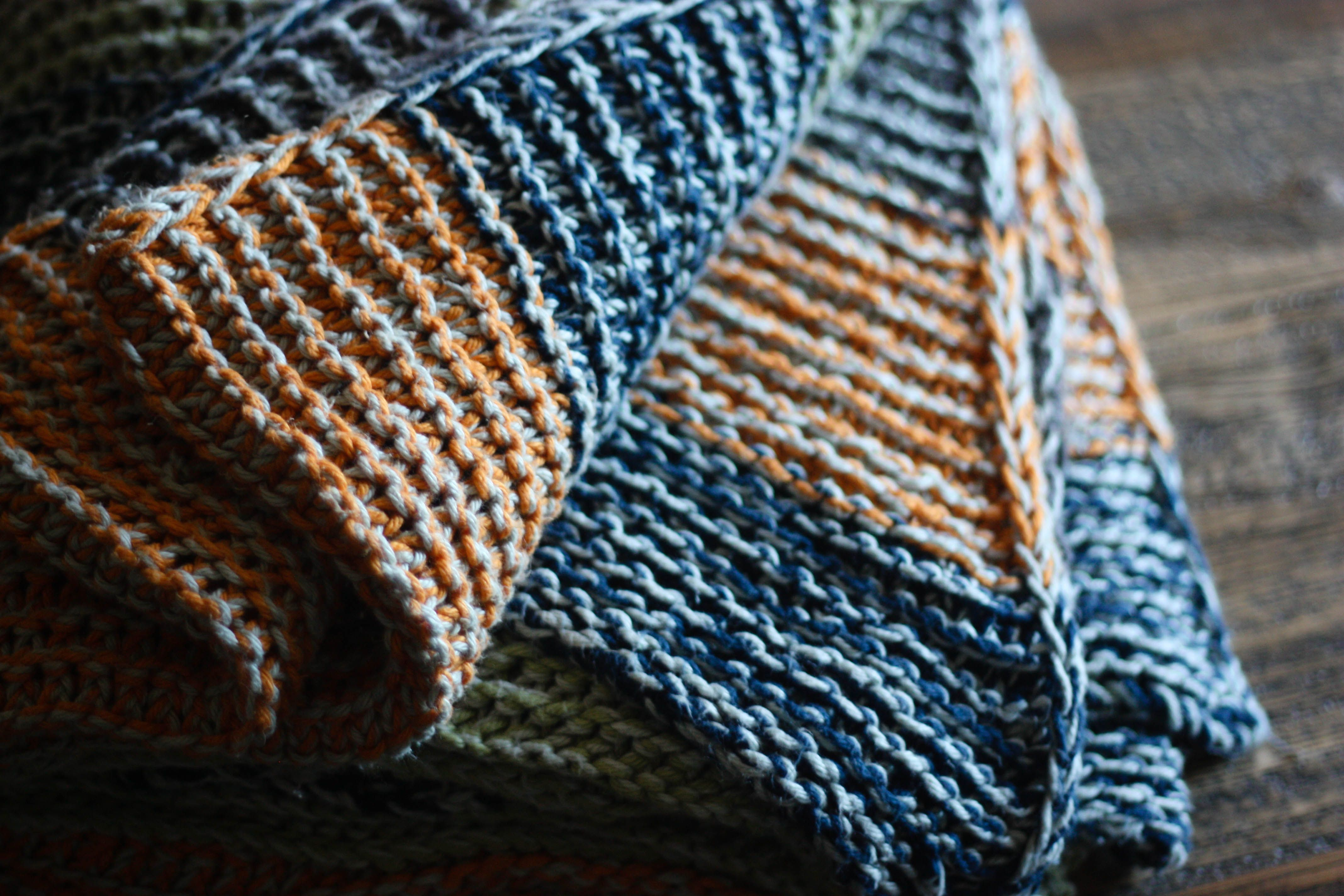Knitting A Blanket With Circular Needles : Yard of yarn worsted weight skeins silver