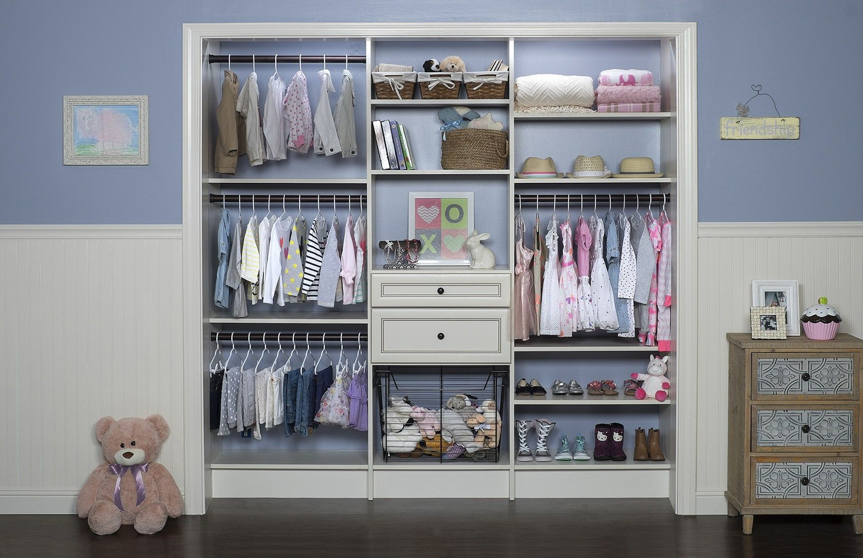 Cute Small Walk In Closet Ideas For Girls