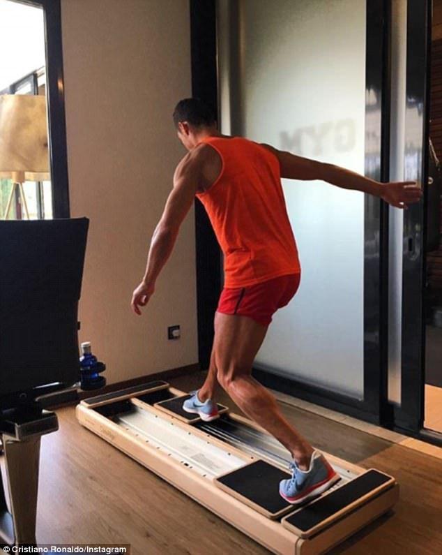 Cristiano Ronaldo Hits The Gym Ahead Of Real Madrid Return Cristiano Ronaldo Ronaldo Real Madrid Training