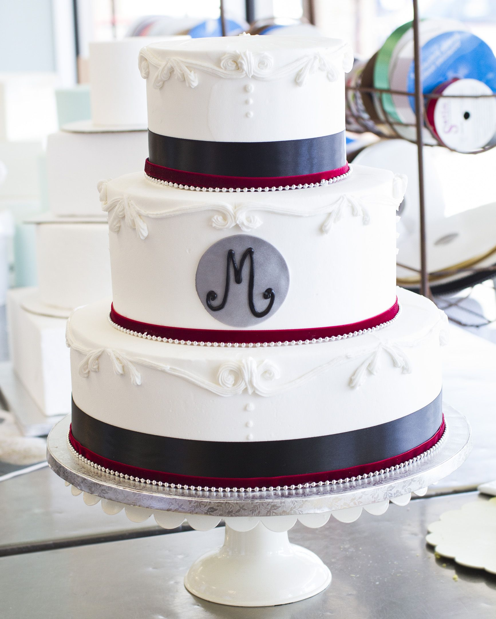 We love the color choices on this black, red and white monogrammed ...