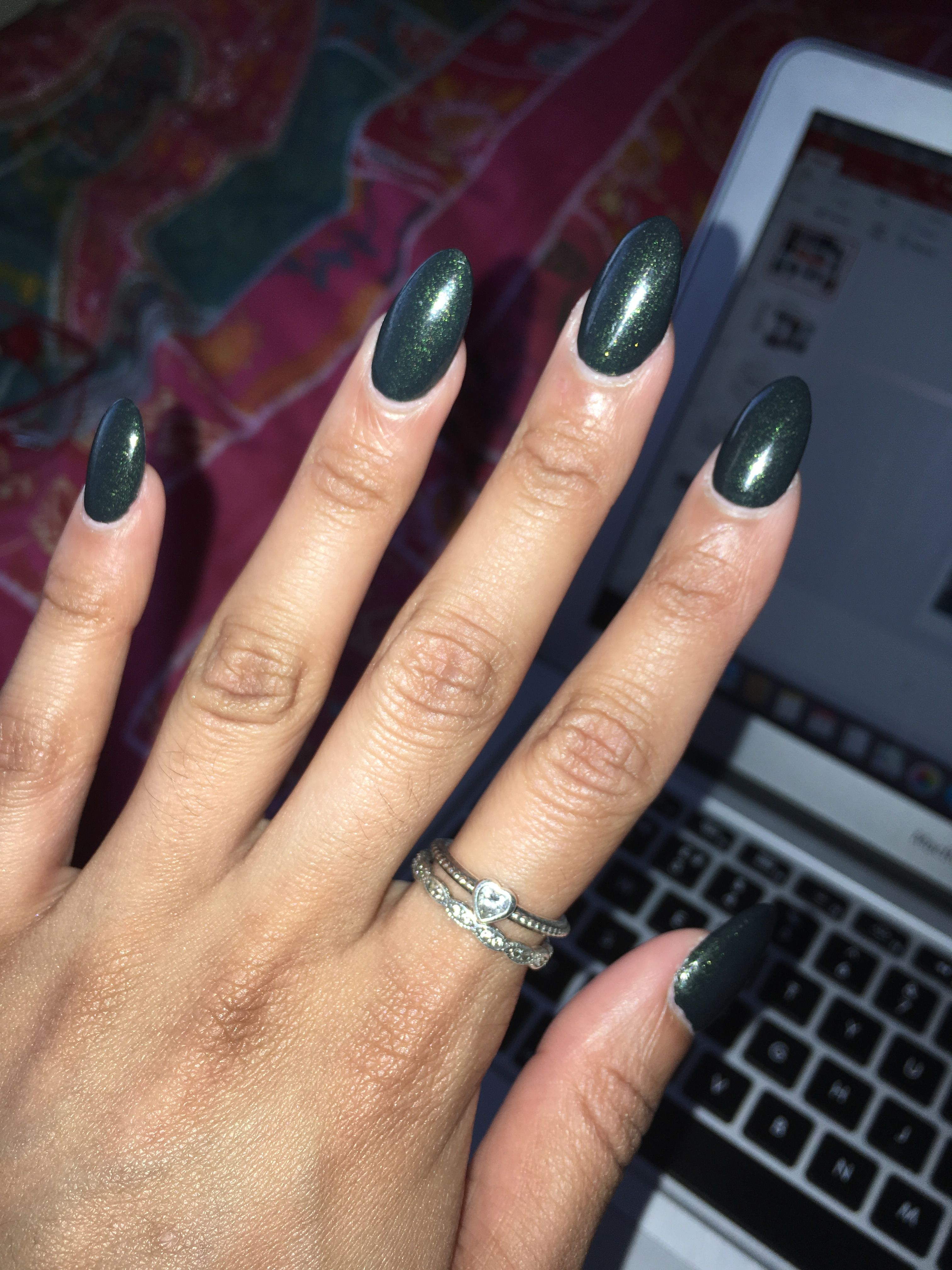 Oval shaped, acrylic, nails, dark green, glitter, round, long | Nail ...
