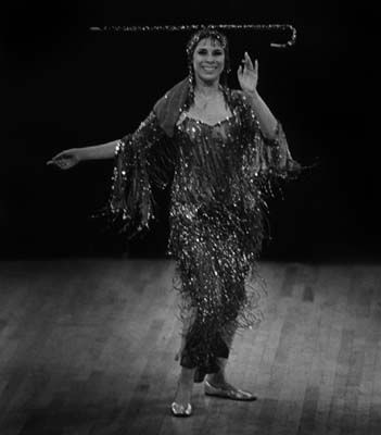 Raqs Al Assaya Egyptian Women S Cane Dance Vintage Dance Egyptian Women Dance Pictures