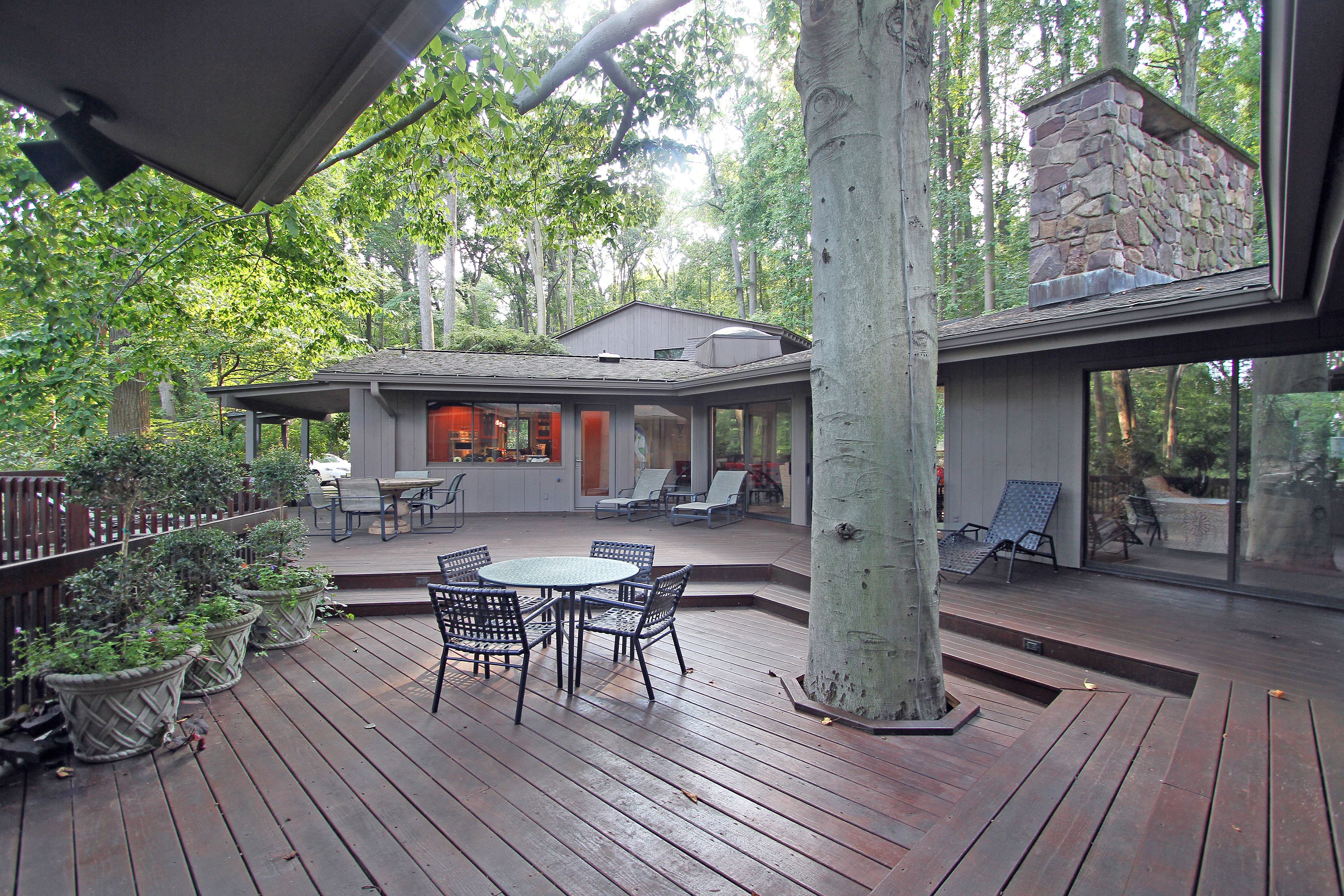 An amazing treehouse in exclusive Llewellyn Park, NJ ...