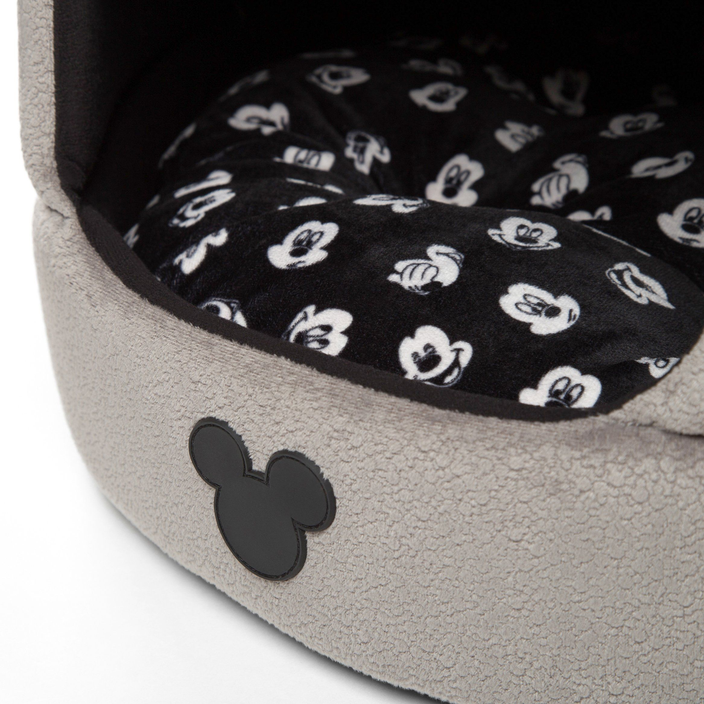 Disney Mickey Mouse 2in1 Honeycomb Hut Cuddler In Mickey Bobble Grey Jumbo Dog Bed Cat Bed To Find Out More Jumbo Dog Bed Diy Dog Bed Dog Bed Furniture