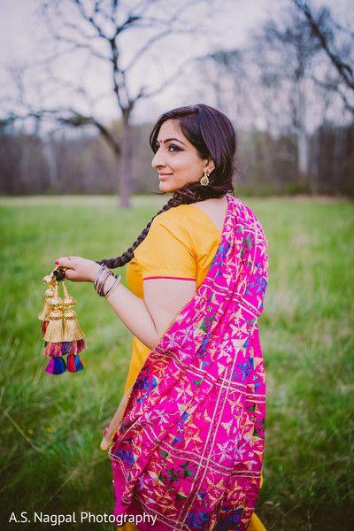 Lovely maharani during engagement http://www.maharaniweddings.com/gallery/photo/104876