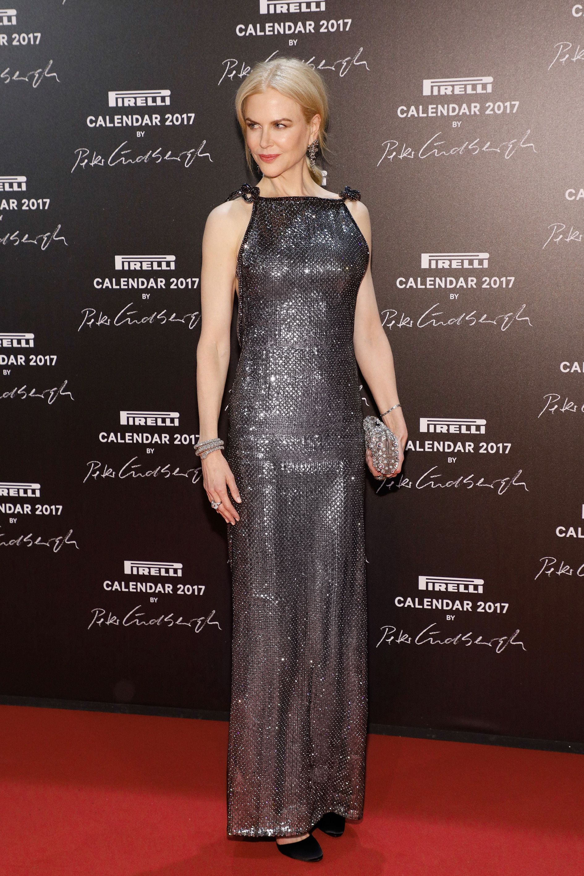Nicole Kidman in a shimmering floor-length Giorgio Armani Privé gown, arriving last night for the Pirelli Calendar 2017 Gran Gala in Paris. #ArmaniStars