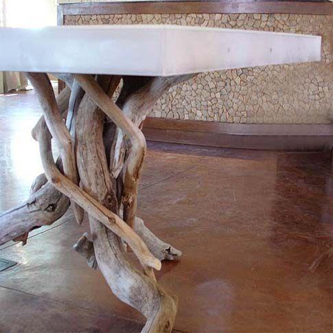 Resultado de imagen para carpintero haciendo una mesa estilo picapiedra