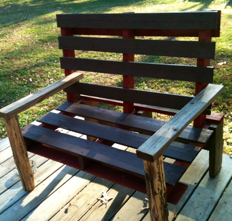 Nice Pallet Bench. Made Out Of 2 Pallets, Scrap Wood U0026 Cedar Post :)