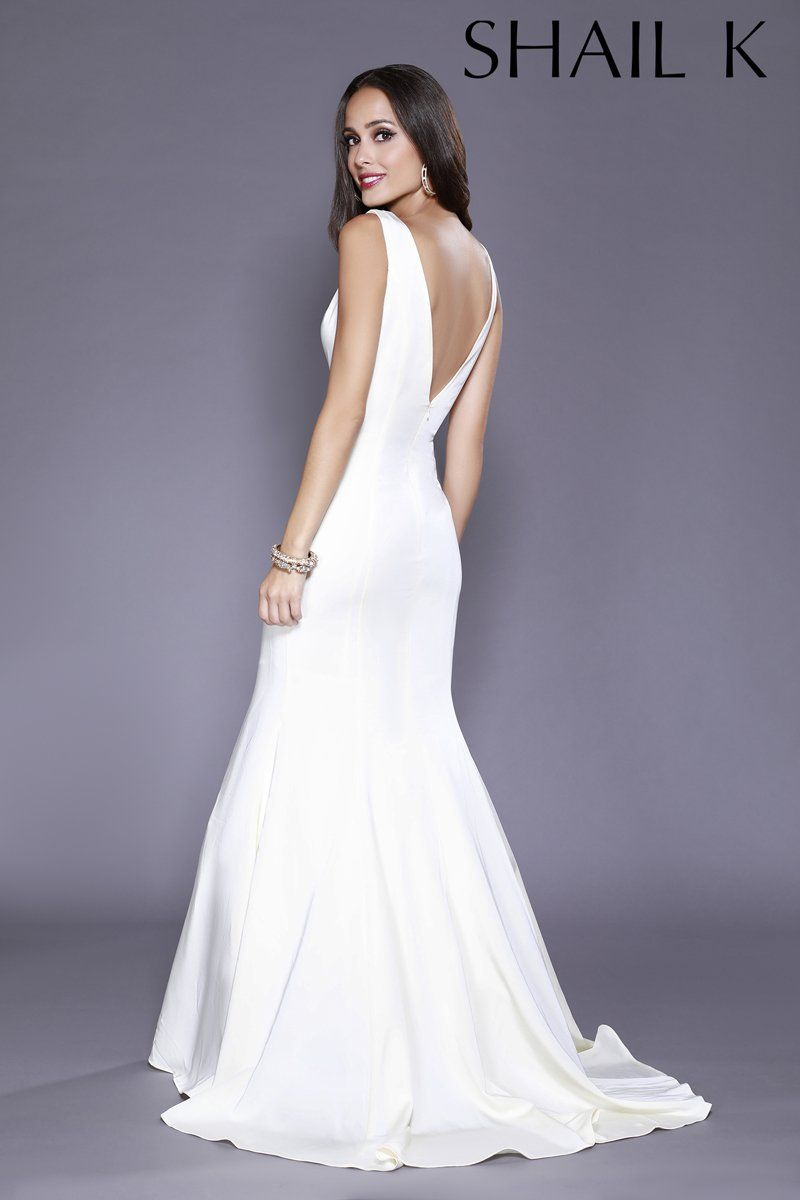 0d5f5a54ac Plunging Neckline Royal Mermaid Style Prom Dress 33932