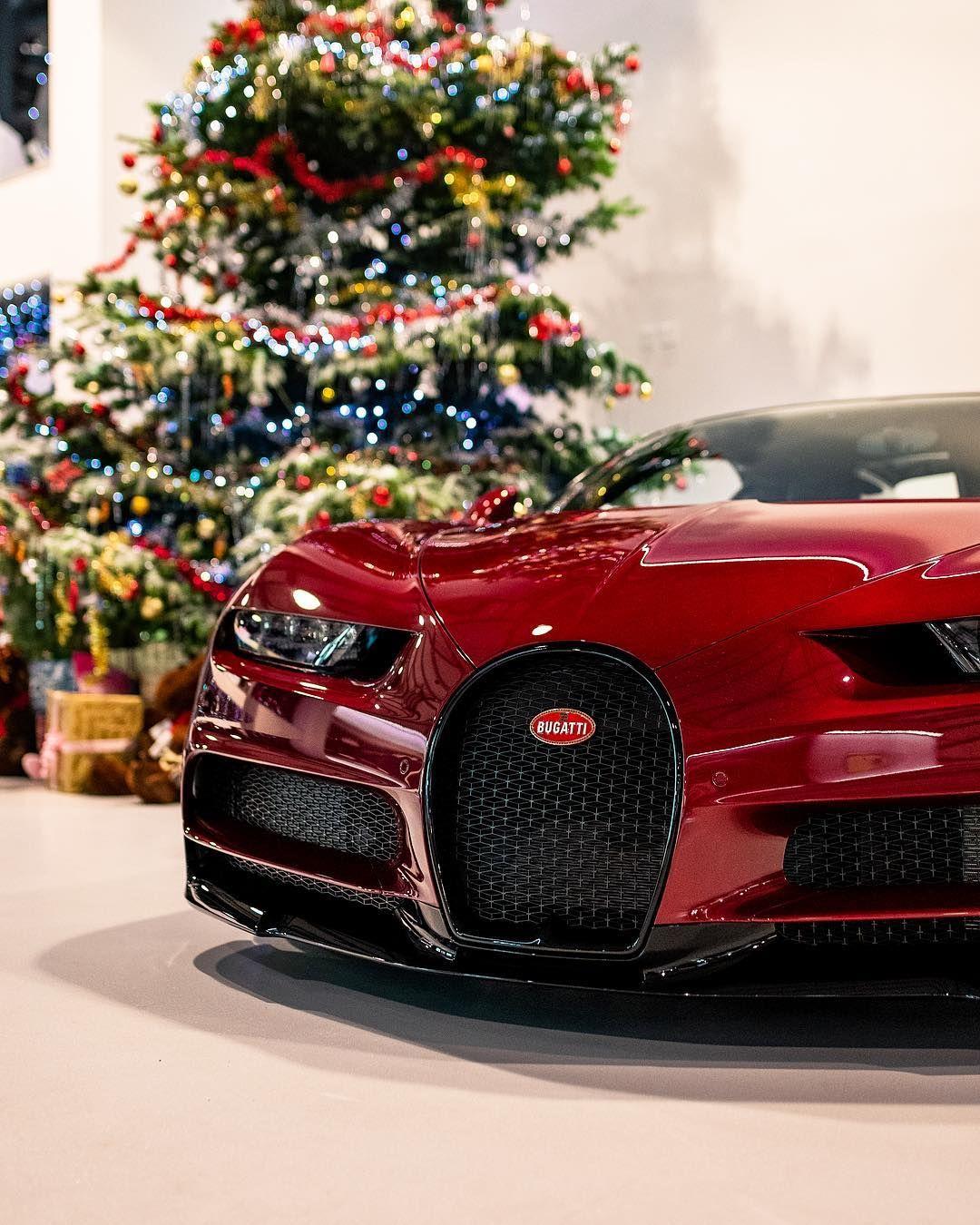 A Very Merry Christmas From All At Joe Macari! 🎄🎅 #bugatti