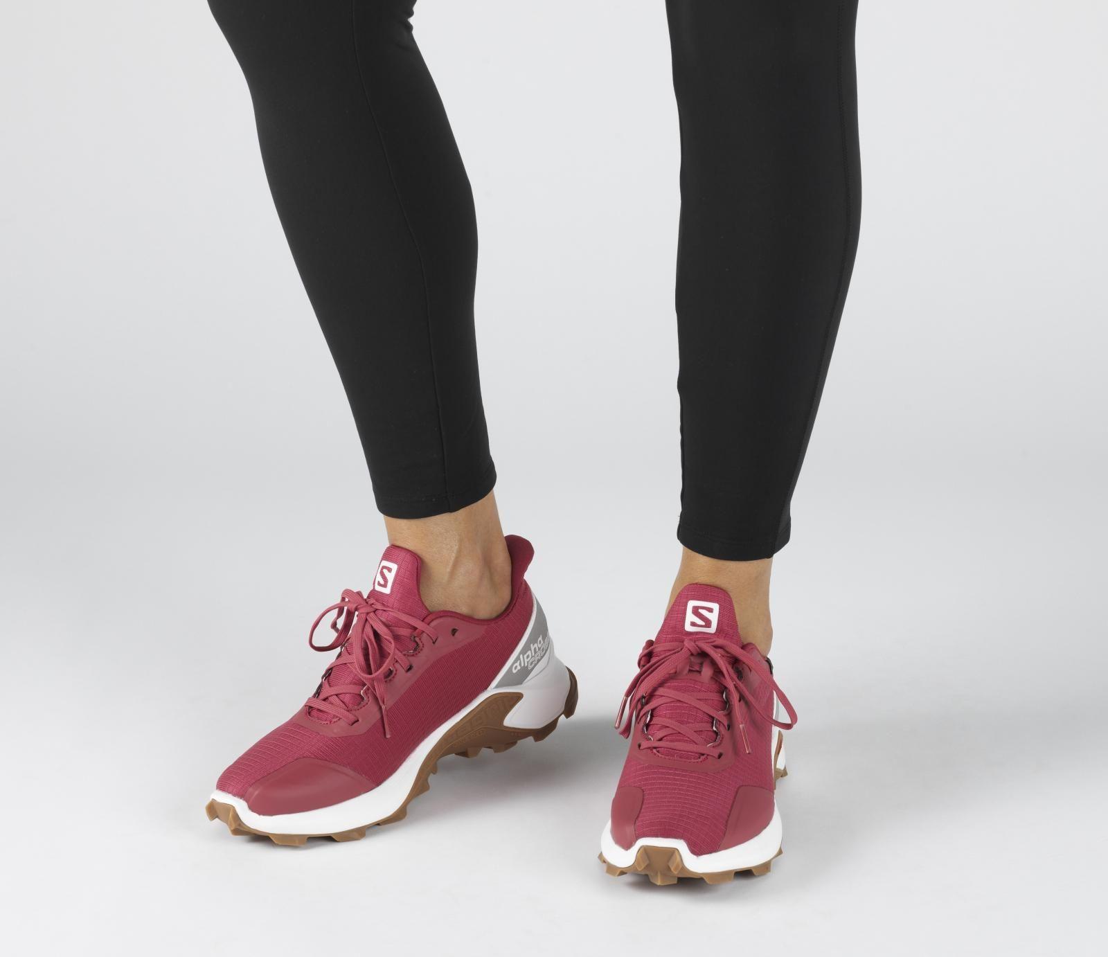 Salomon Alphacross GTX W trail running shoes red   Trail running shoes,  Salomon shoes, Running shoes