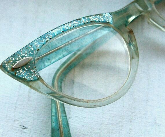 a852e4c220 ... Cat Eye Frames    Pin Up Rockabilly. Love these glasses~. Silver   Blue