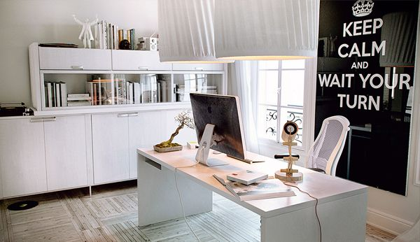 Beautiful Home Offices & Workspaces | White chic, Office workspace ...