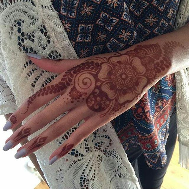 Te Gustaria Lucir Un Hermoso Henna Tatto Para Alguna Ocasion