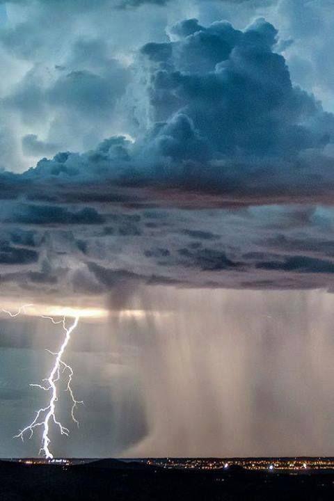 Photo: Raios em Santa Fé, Novo México, Estados Unidos.  Curta a Super-Célula
