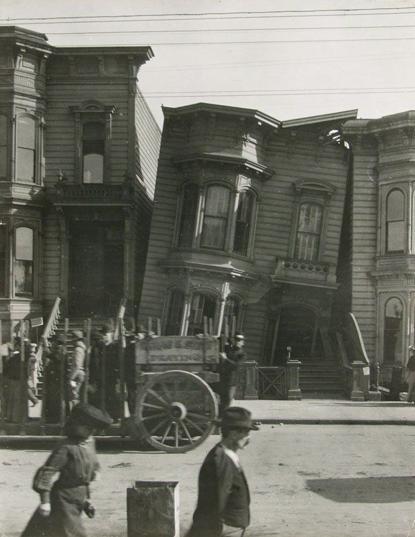 San Francisco´s earthquake by Arnold Genthe