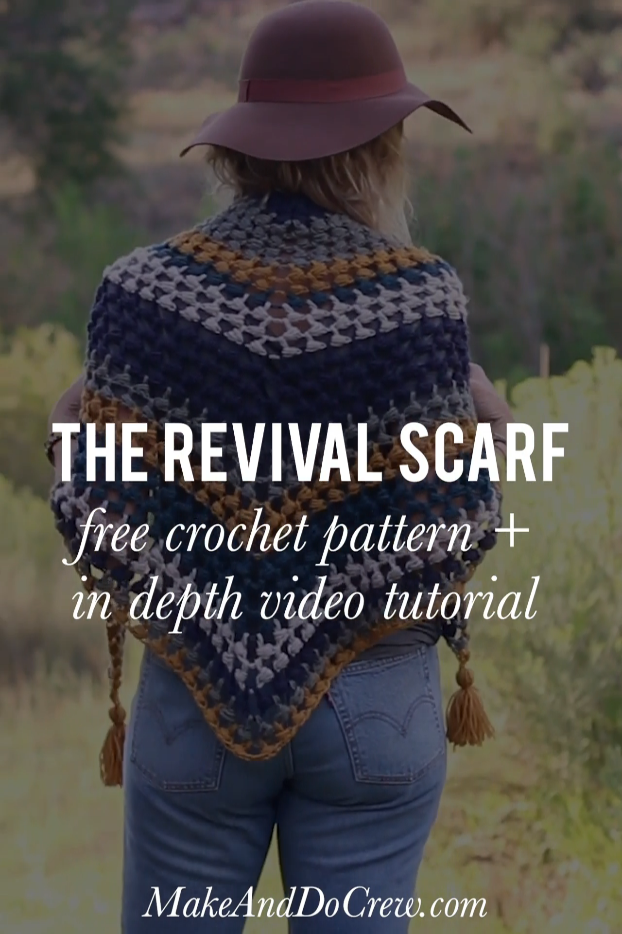 Crochet Triangle Scarf - Free Pattern + Video Tutorial #crochetscarves