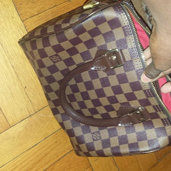 Lv speedy 25 Lv speedy aaa 25 speedy come with dust bag come lock n key..n wallet good quaily. Bags Mini Bags