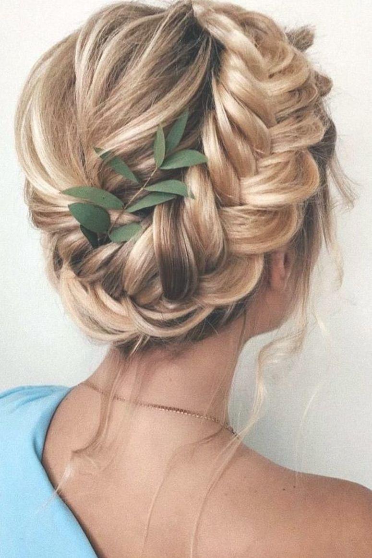 39 Greek Wedding Hairstyles For The Divine Brides Greek Wedding Hairstyles On Blonde Hair Braided Halo W Short Wedding Hair Braided Halo Hairstyle Greek Hair