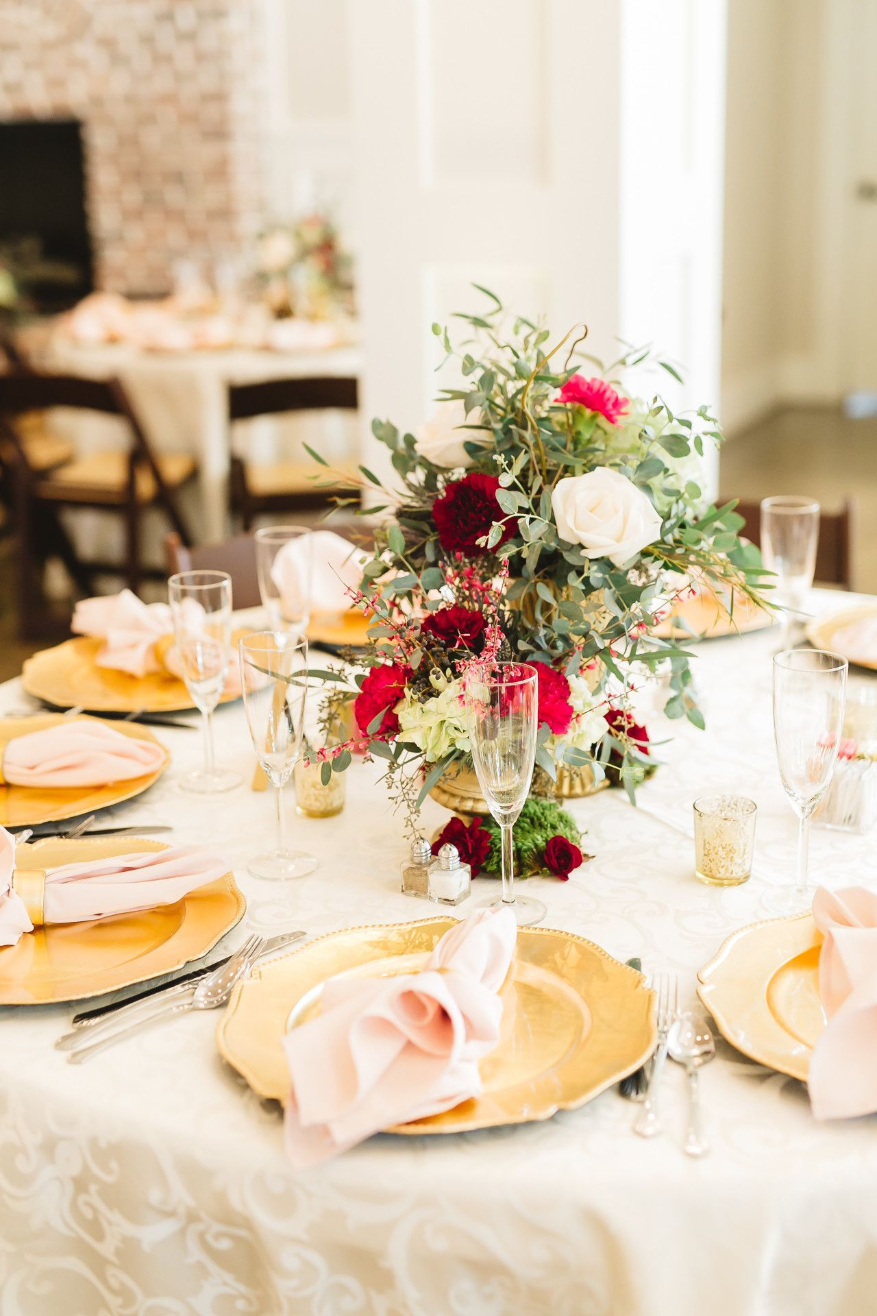 Magnolia Manor Pastel Wedding Wedding Table Layouts Pastel Wedding Flowers