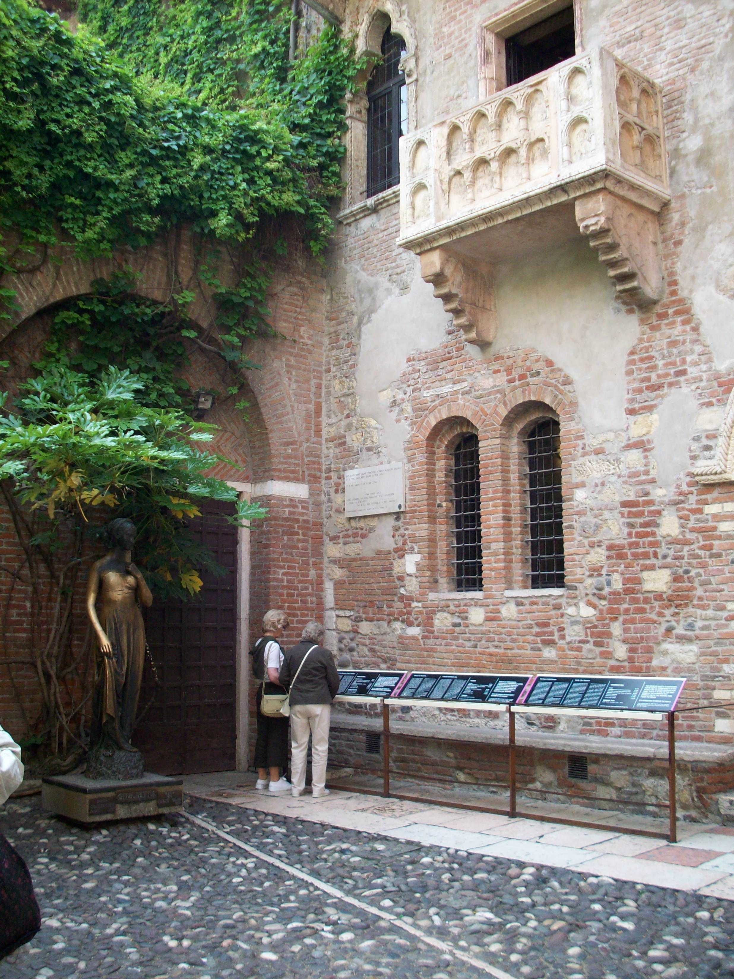 Verona Italy Juliett S Balcony To Bad There Were No Letters