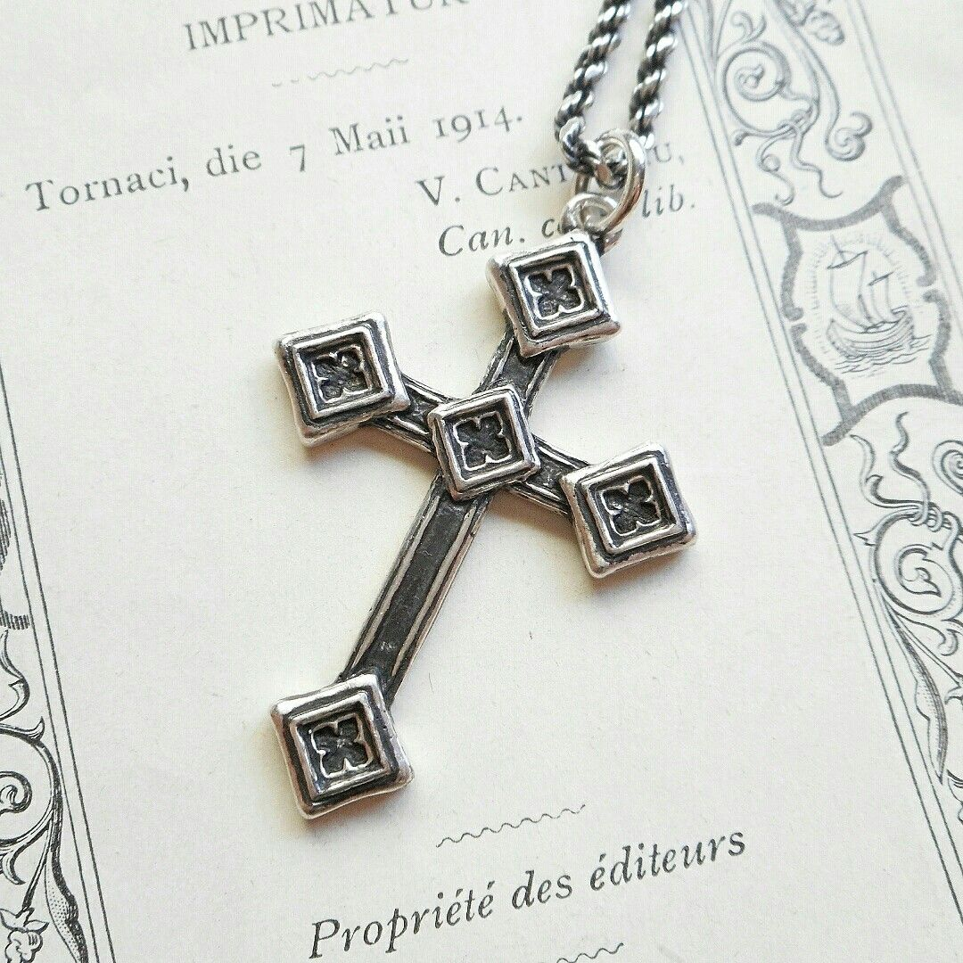 Gothic cross by Reconquista TOKYO