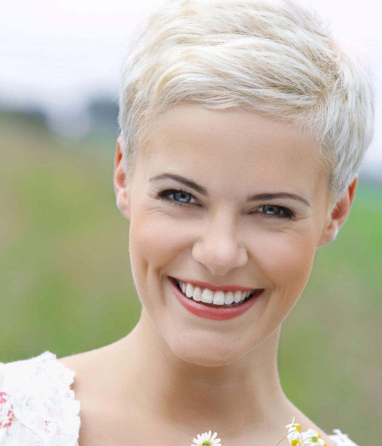 White blond side part hair dos pinterest blond pixies and