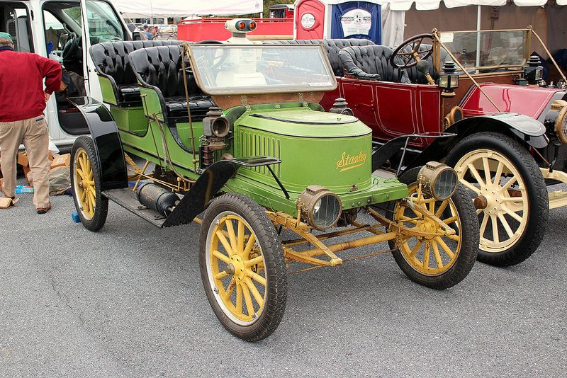 1909 Stanley Steamer Model E2 2/4P runabout