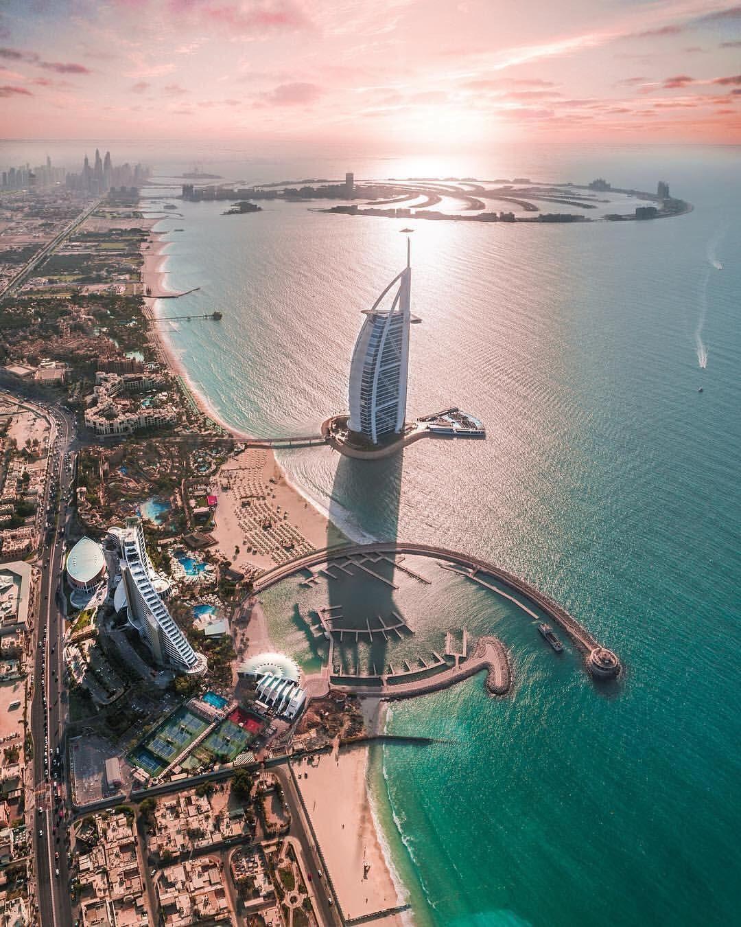 Vacations Travel Nature Sur Instagram Follow Planetfervor Aerial View Dubai United Arab Emirates Photo By Dubai Travel Dubai Vacation Visit Dubai