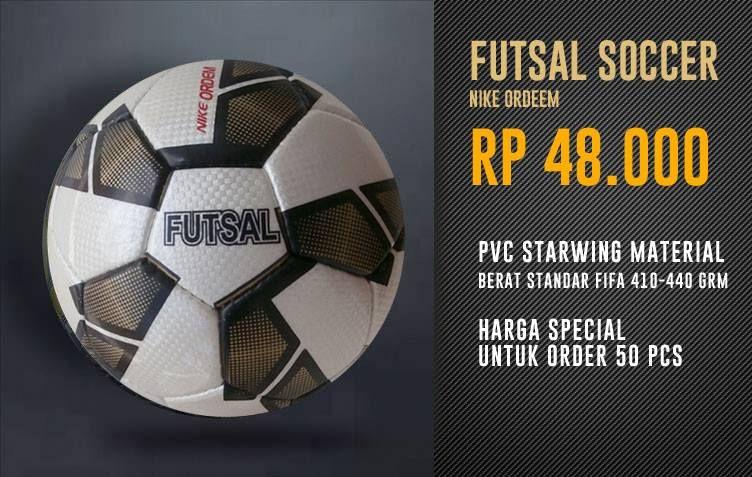 Bola Futsal Size 4. Terbuat dari bahan PVC Starwing. di jamin empuk dan awet. harga hanya Rp: 4.8000/pcs.