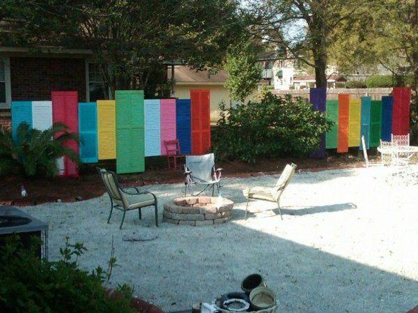 gartenzaungestaltung 20 beispiele f r selbstgebaute gartenz une zaun hecke pinterest. Black Bedroom Furniture Sets. Home Design Ideas