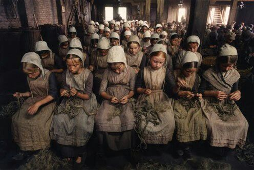 how oliver twist applies to the industrial revolution In the novel oliver twist, charles dickens was trying to indicate the social problems of 19th century london during the industrial revolution from the perspective of the poor oliver twist was living in a workhouse in poor condition.