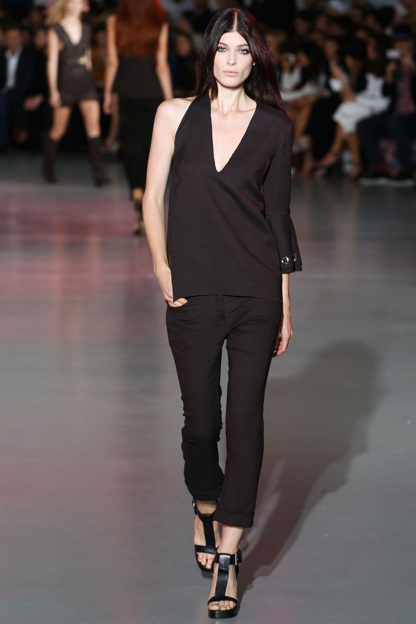Costume National | Spring 2015 Ready-to-Wear | 07 Black asymmetrical top and cropped trousers
