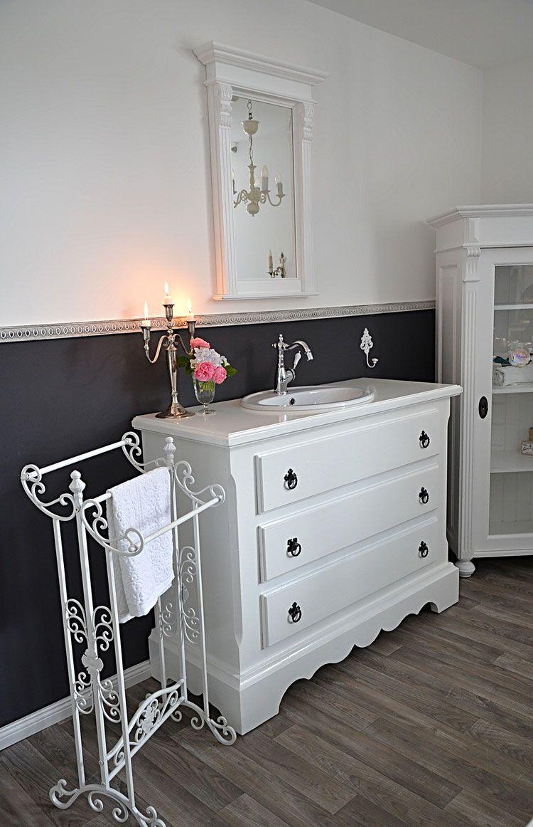 colchester gro er antiker waschtisch von badm bel. Black Bedroom Furniture Sets. Home Design Ideas