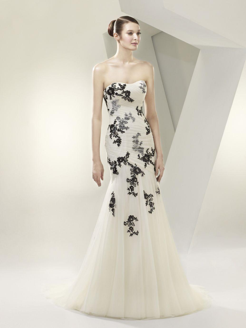Black white wedding dress  Beautiful BT front View  RBW  BlackWhiteRed Handfasting